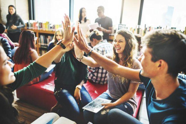 18卒の新卒学生集まれ!求人サイト以外の就活『マイナビ新卒紹介』『ニクリーチ』がアツい!