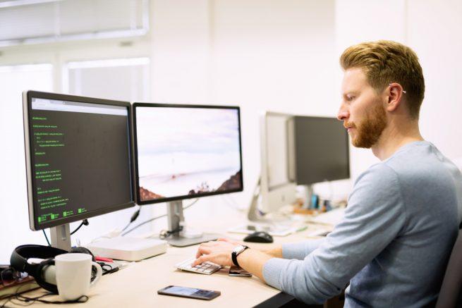 システムエンジニア(SE)とプログラマー、インフラエンジニア、それぞれの違いとは?既卒・第二新卒からの就職のすすめ!
