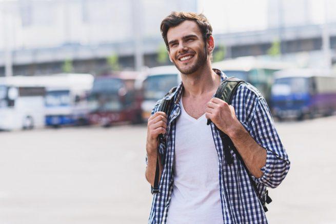 大学卒業後の進路はインド!?既卒24歳男性が未経験から大手営業職で内定獲得!